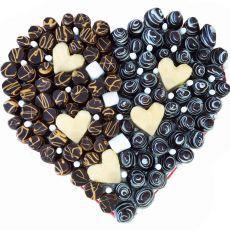 Сердце с клубникой и шоколадом
