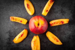 Персики зимой и летом: сплошная польза для здоровья!