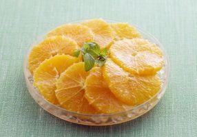 Как красиво нарезать апельсин на стол