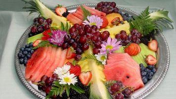 Сервировка фруктов на праздничный стол