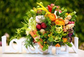 Съедобные букеты: какие фрукты, овощи и ягоды лучше использовать?