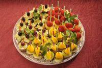 Фруктово-ягодное канапе на вашем столе