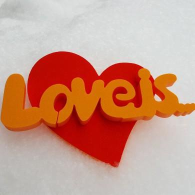 """Топпер """"Love is"""""""